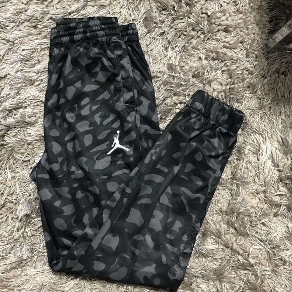 6be28925bfeb98 Jordan Other - Kid s Jordan camouflage jogger therma sweatpants